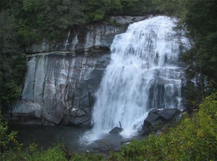 Rainbow Falls is one of the most dramatic falls in the Cashiers area.